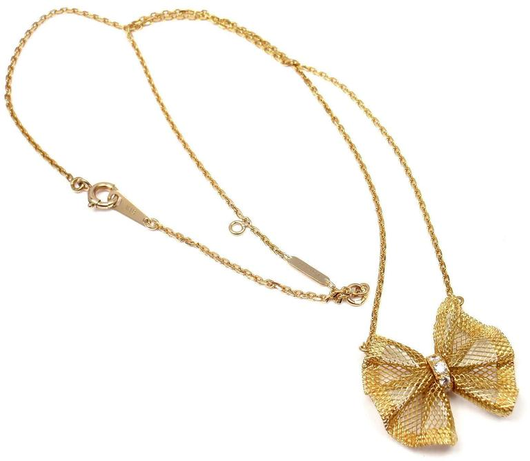 Women's Van Cleef & Arpels Diamond Gold Bow Pendant Necklace For Sale