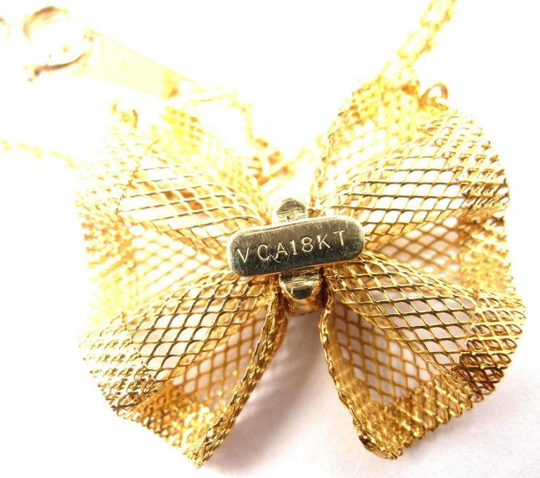 Van Cleef & Arpels Diamond Gold Bow Pendant Necklace For Sale 3