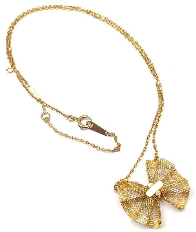 Van Cleef & Arpels Diamond Gold Bow Pendant Necklace For Sale 2