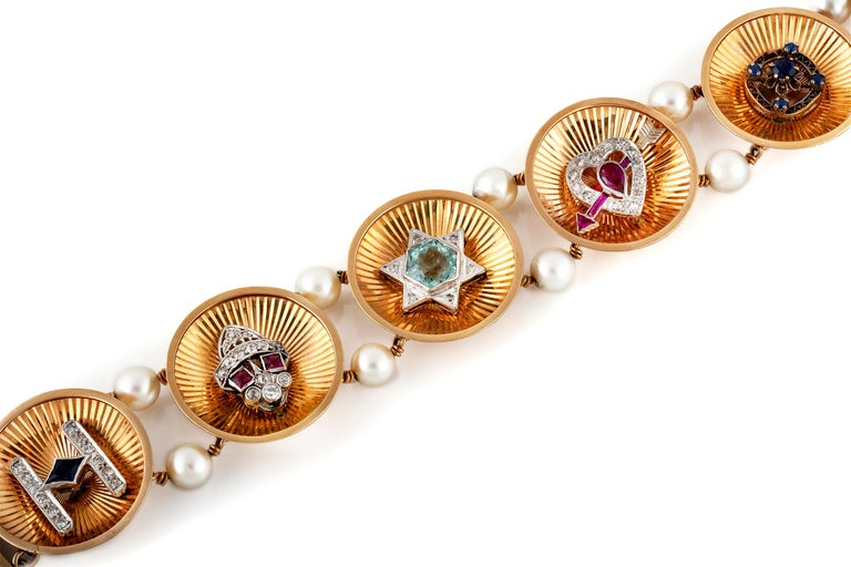 Women's Vintage 1940s Charm Bracelet For Sale