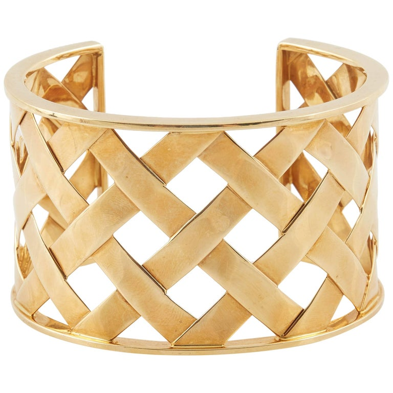 """Verdura 18 Karat Yellow Gold """"Criss Cross"""" Cuff Bracelet For Sale"""