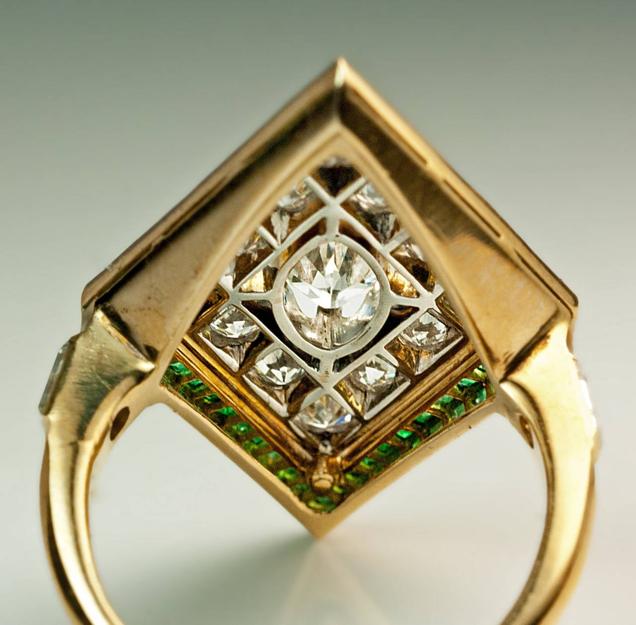 Women's Art Deco Rhombus Shaped Diamond Emerald Gold Ring For Sale