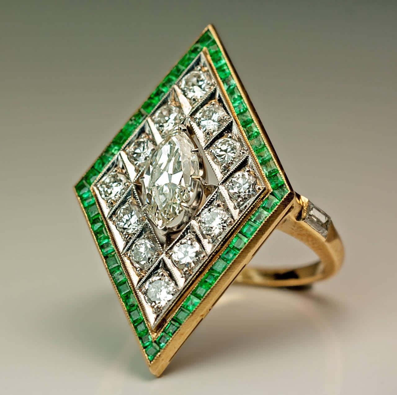 Art Deco Rhombus Shaped Diamond Emerald Gold Ring For Sale 1