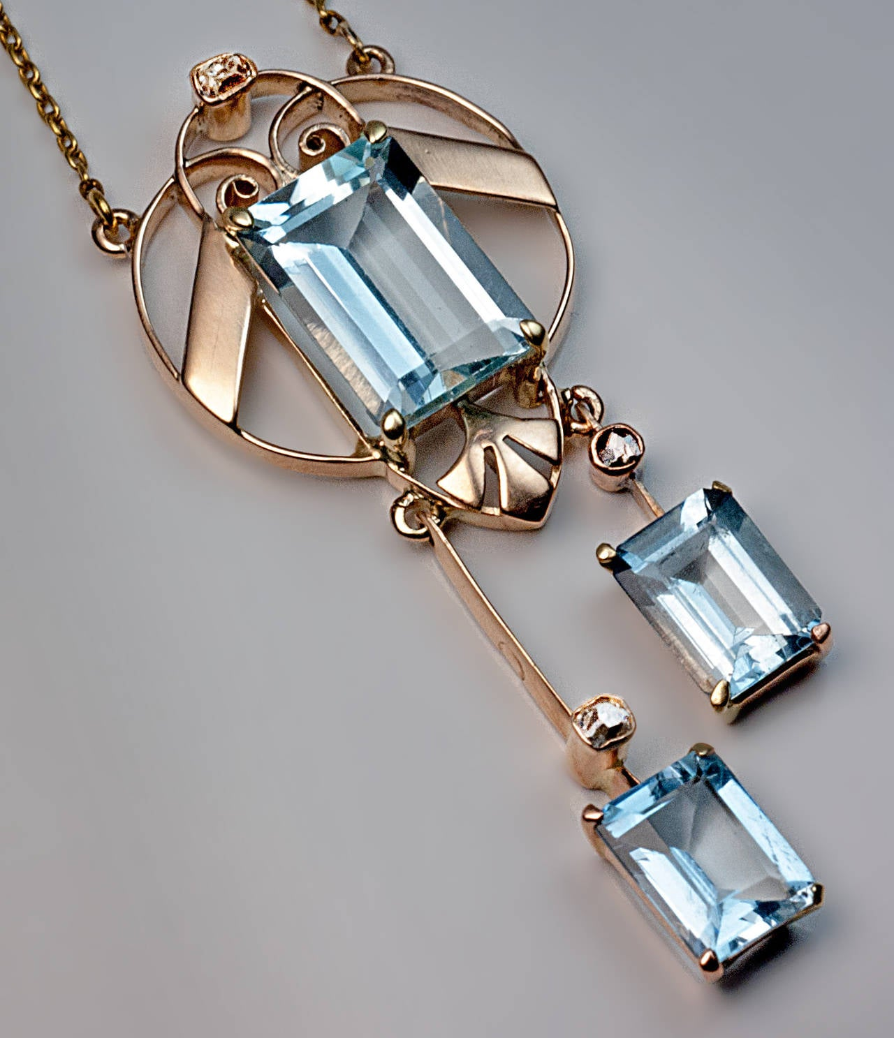 Early Art Deco Russian Aquamarine Gold Necklace 3