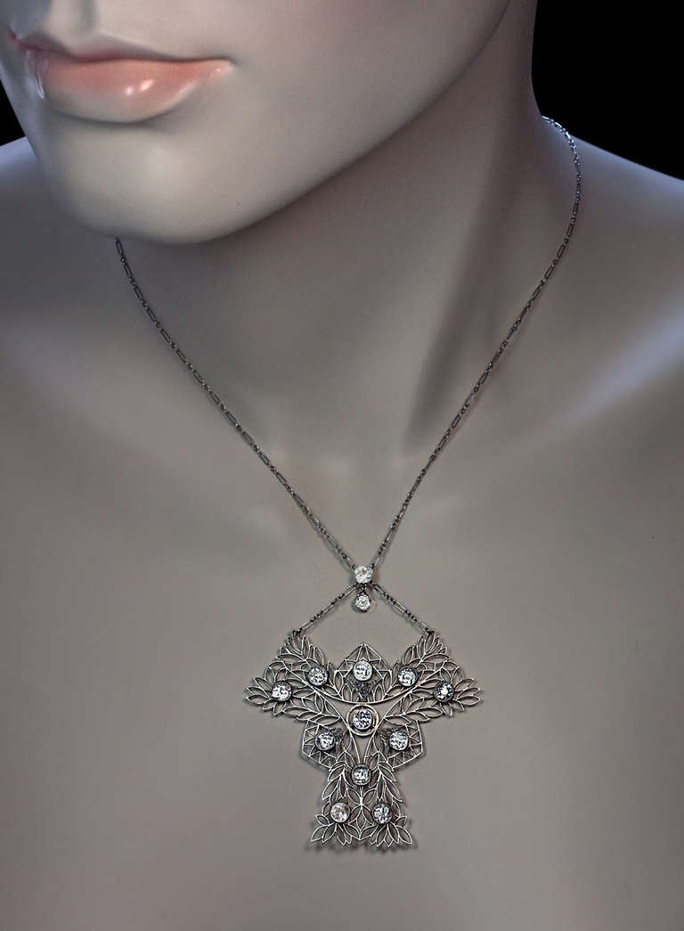 French Art Nouveau Diamond Necklace c. 1910 In Excellent Condition For Sale In Chicago, IL