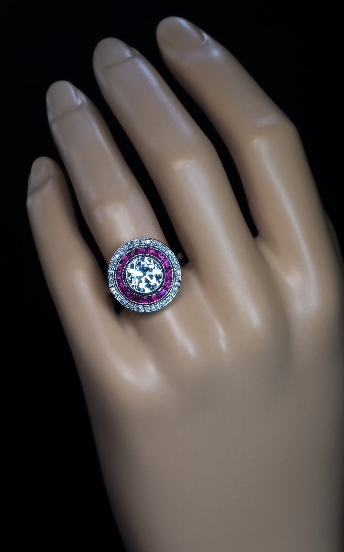 Art Deco 2 Carat Diamond Ruby Engagement Ring In Good Condition For Chicago