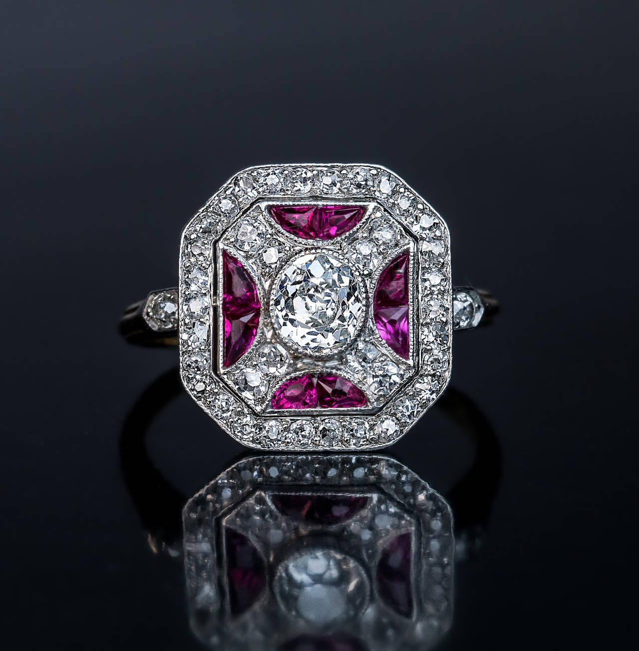 Russian Art Deco Ruby Diamond Platinum Ring In Excellent Condition For Sale In Chicago, IL
