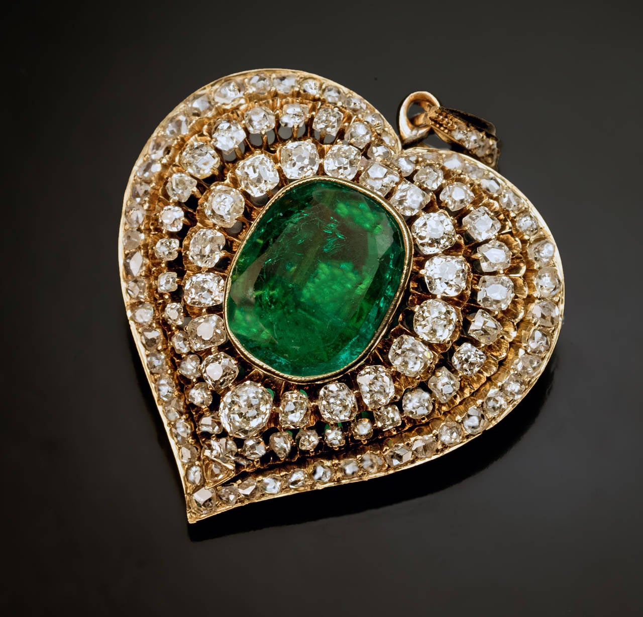 Victorian Emerald Diamond Gold Heart Shaped Pendant In Excellent Condition For Sale In Chicago, IL