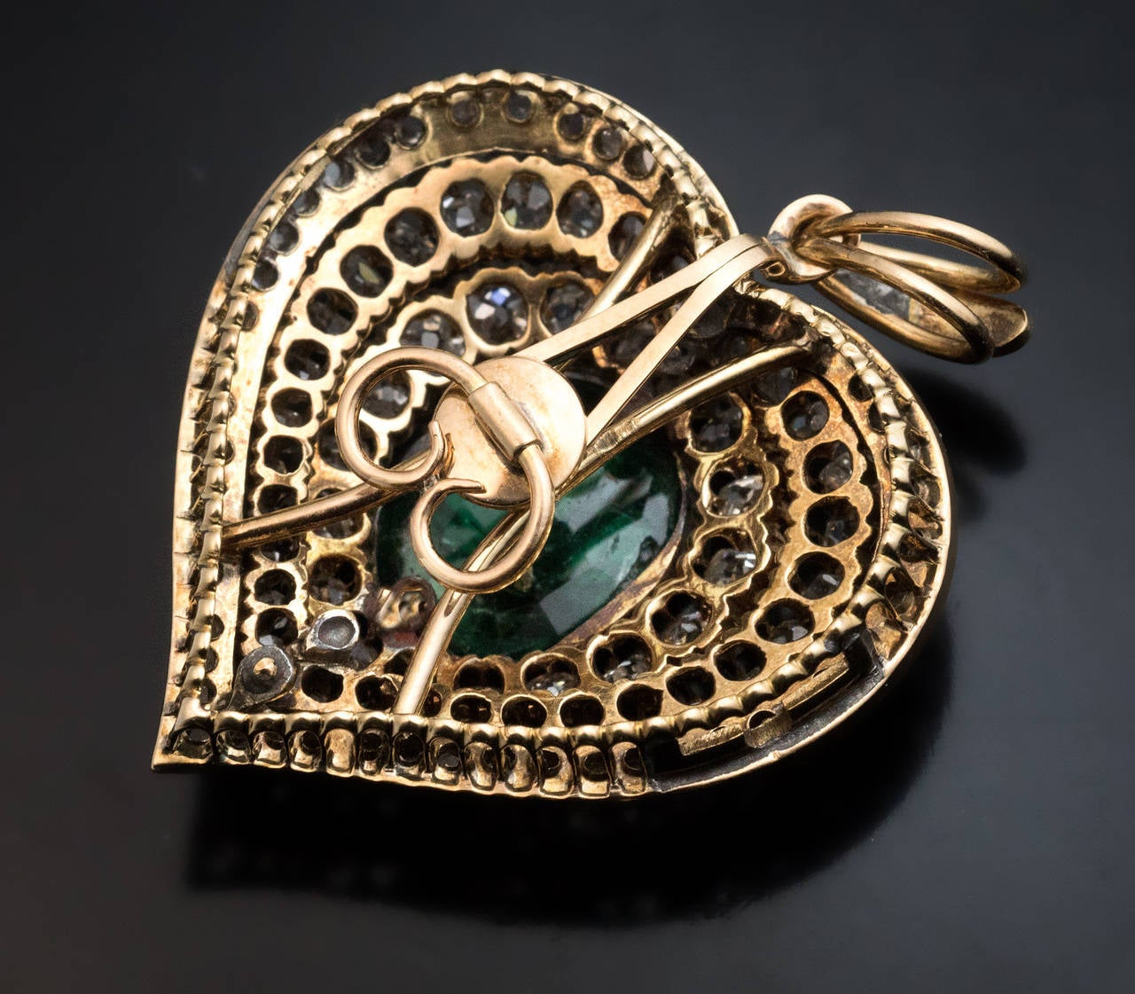 Victorian Emerald Diamond Gold Heart Shaped Pendant For Sale 1