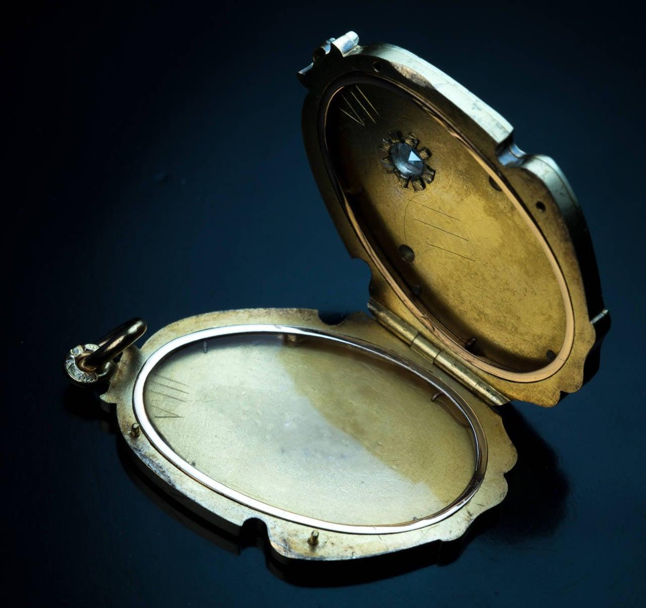 Art Nouveau Antique Russian Diamond Gold Locket For Sale 2