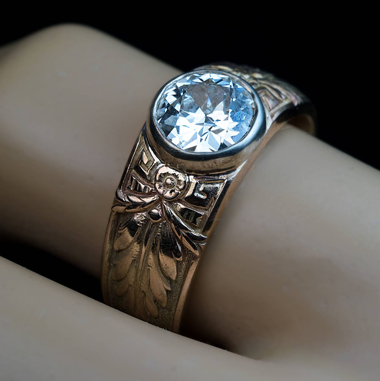Antique Russian 1 Carat Diamond Gold Men's Ring In Excellent Condition For Sale In Chicago, IL
