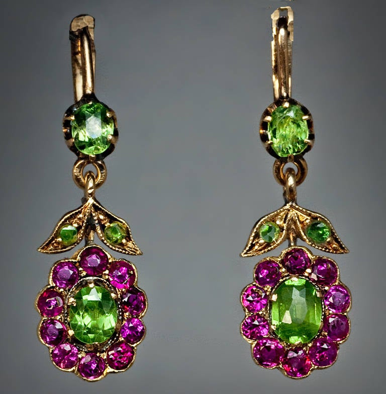 Antique Russian Demantoid Ruby Dangle Earrings In Excellent Condition For Sale In Chicago, IL