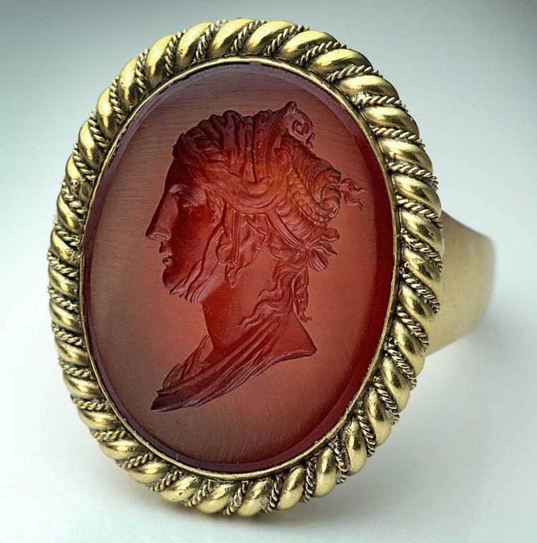 Women's or Men's Napoleonic Era Antique Intaglio Gold Signet Ring For Sale