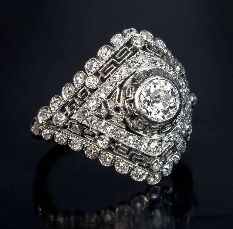 Art Deco Diamond Platinum Engagement Ring In Excellent Condition For Sale In Chicago, IL