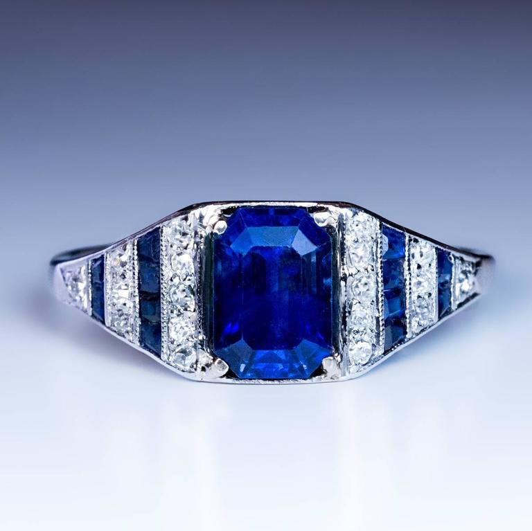 Art Deco Sapphire Diamond Platinum Engagement Ring In Excellent Condition For Sale In Chicago, IL
