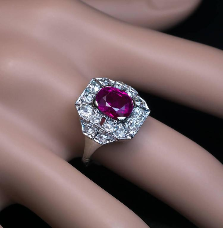 Art Deco 2.60 Carat Burmese Ruby Diamond Gold Platinum Engagement Ring For Sale 1