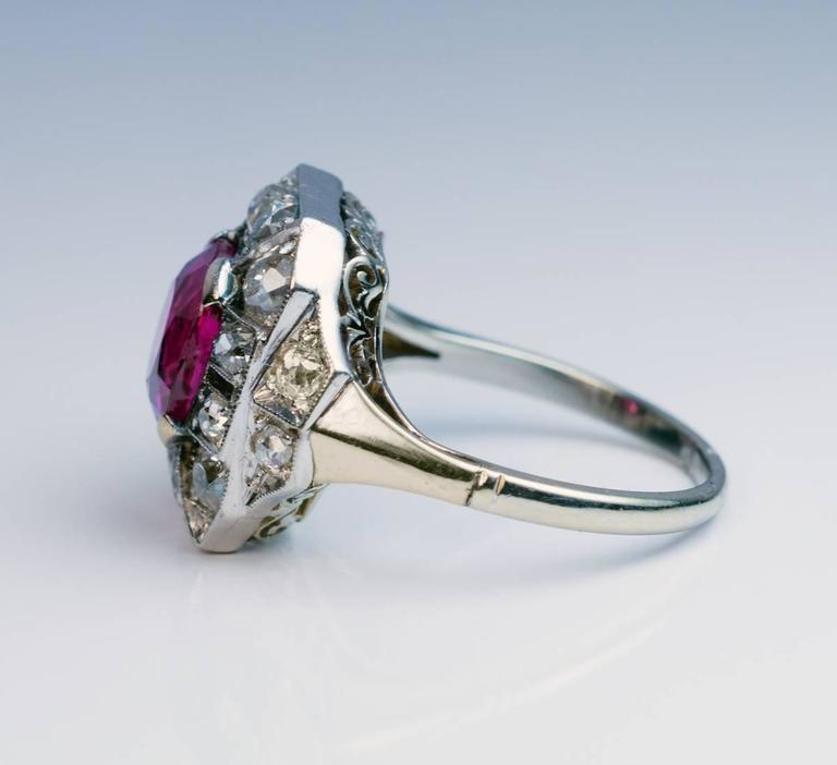 Art Deco 2.60 Carat Burmese Ruby Diamond Gold Platinum Engagement Ring For Sale 3