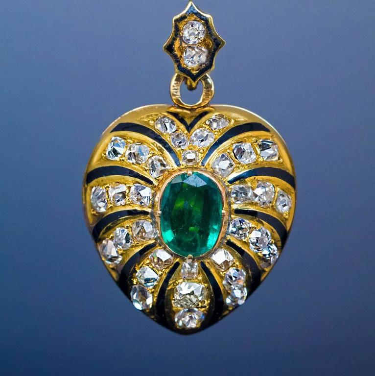 Antique Enamel Emerald Diamond Gold Heart Shaped Locket Pendant 3