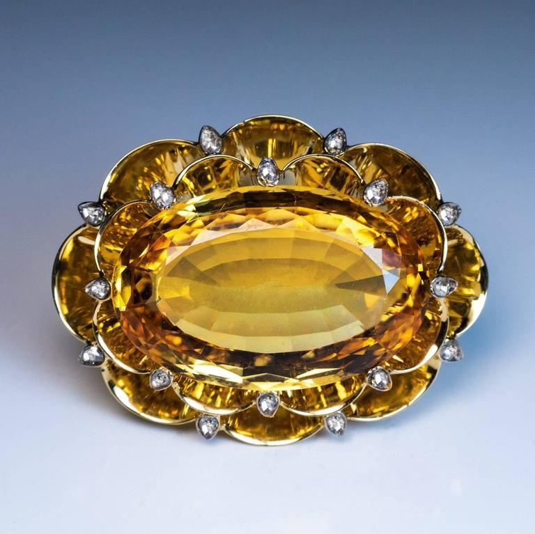 Women's or Men's Very Rare Art Deco 20 Carat Russian Imperial Topaz Brooch Pendant For Sale