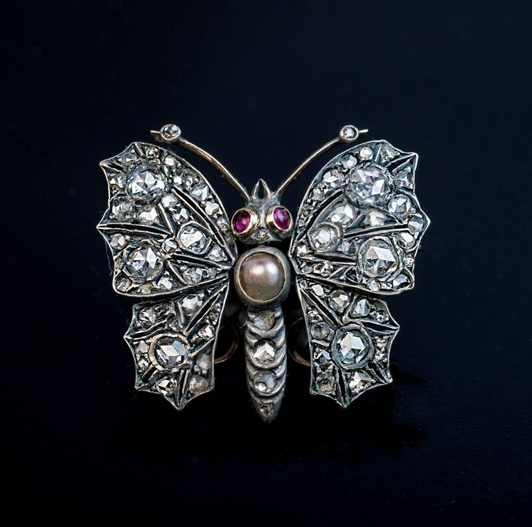 Antique Victorian 19th Century Diamond Butterfly Brooch Pendant In Excellent Condition For Sale In Chicago, IL