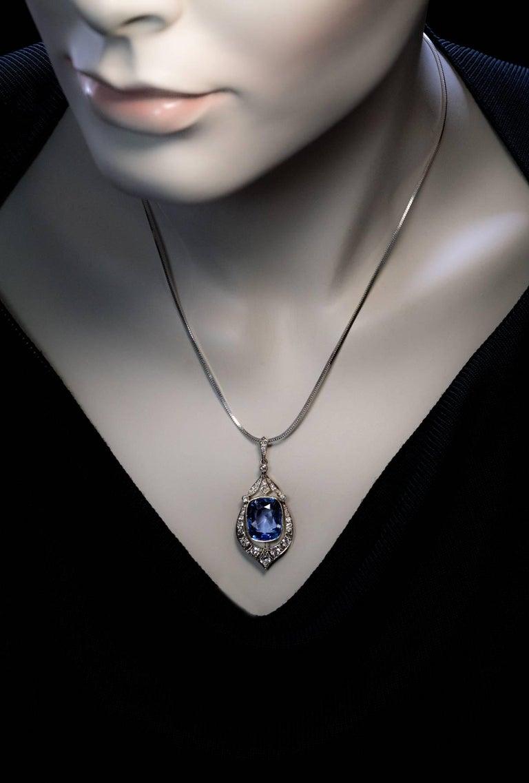 Women's Rare 12.47 Carat Natural Ceylon Sapphire Diamond Art Deco Pendant For Sale