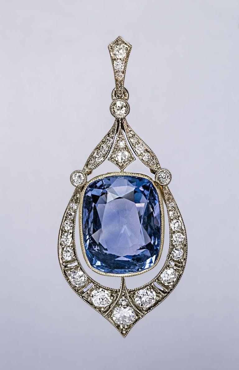 Rare 12.47 Carat Natural Ceylon Sapphire Diamond Art Deco Pendant For Sale 2