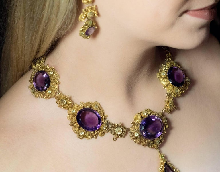 Women's Antique Georgian Era Amethyst Chrysoberyl Gold Parure, circa 1830 For Sale