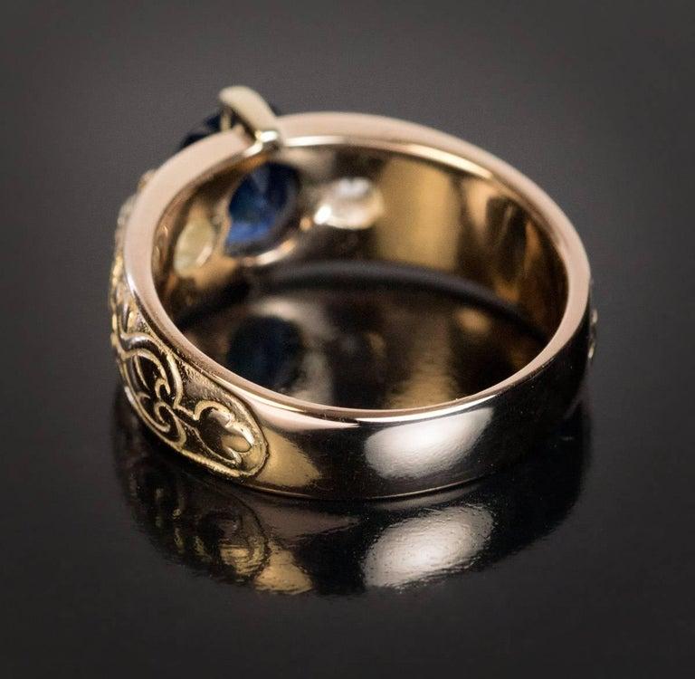 Women's or Men's Antique Three-Stone Sapphire Diamond Gold Unisex Ring For Sale