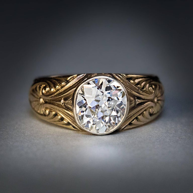 Antique Russian 1.85 Carat Old Mine Cut Diamond Gold  Ring In Excellent Condition For Sale In Chicago, IL
