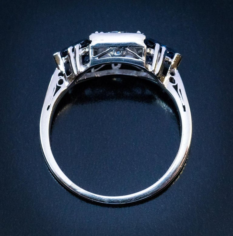 Art Deco Diamond Triangle Sapphire Platinum Engagement Ring In Excellent Condition For Sale In Chicago, IL