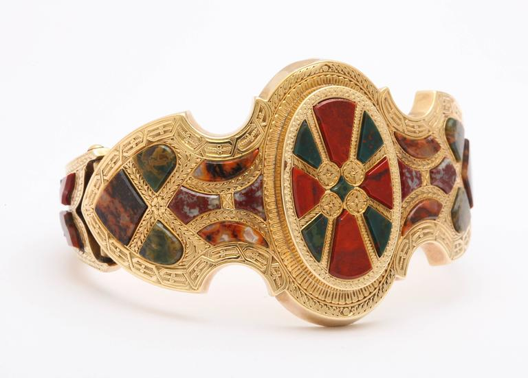 Victorian Scottish Gold and Agate Bracelet In Excellent Condition For Sale In Stamford, CT