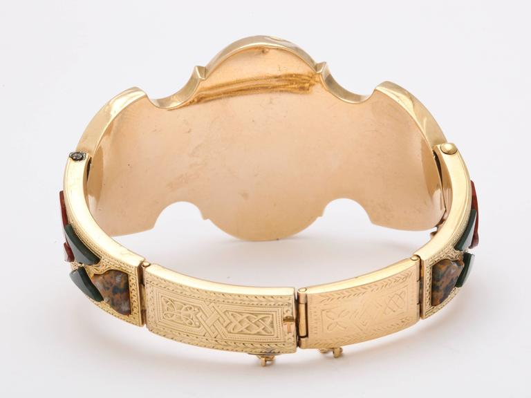 Women's Victorian Scottish Gold and Agate Bracelet For Sale