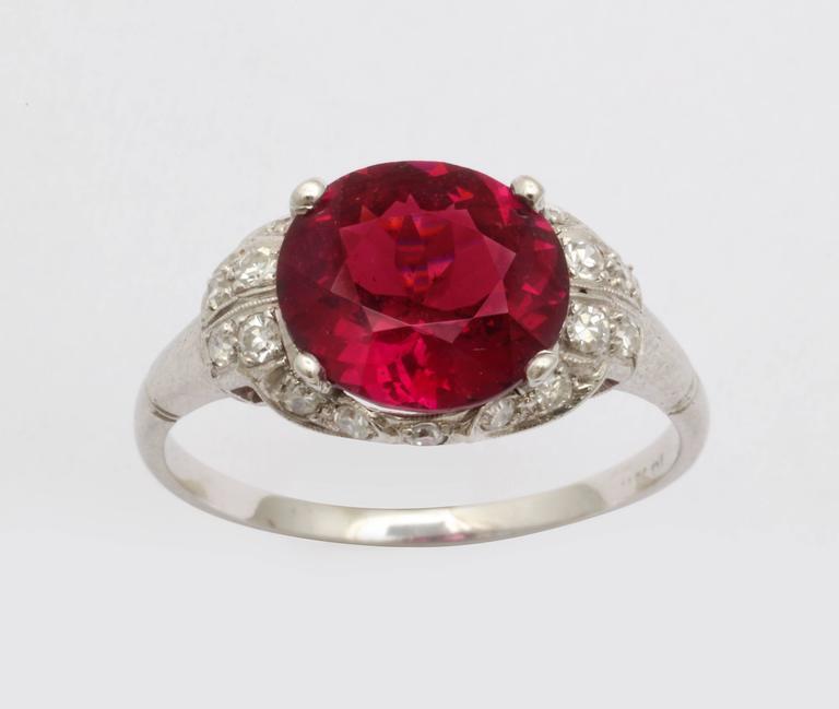 Vintage Rhodolite Garnet  Diamond PLATINUM Ring   In Excellent Condition For Sale In Stamford, CT