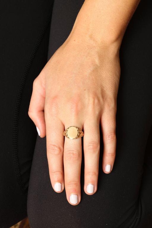 Elegant Edwardian Gold Signet Ring For Sale 4