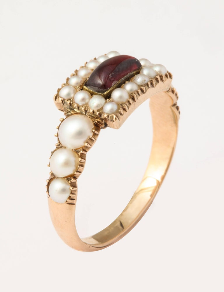 Natural Pearl and Garnet Ring In Excellent Condition For Sale In Stamford, CT