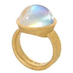 Devta Doolan Exceptional Quality Rainbow Moonstone Gold Ring