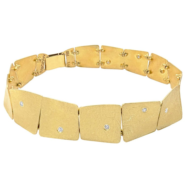 Enric Majoral White Diamond Embedded Gold Waves Link Bracelet, Spain For Sale