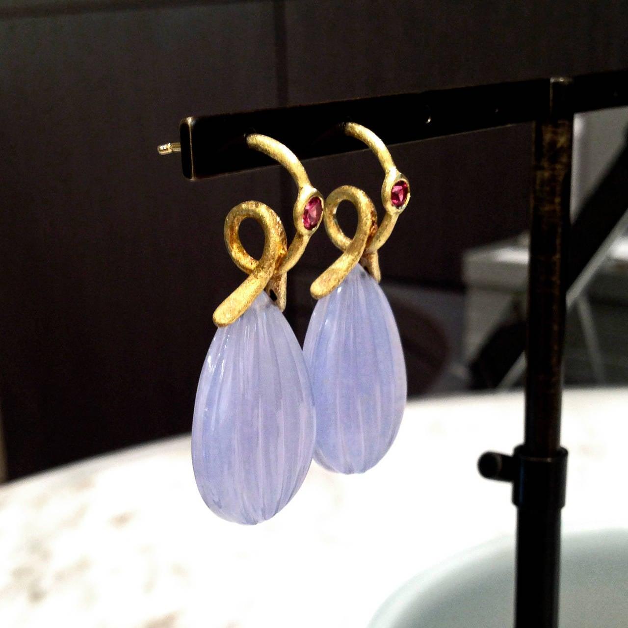 Artist Joseph Murray Pink Tourmaline Dangling Chalcedony Satin Gold Loop Drop Earrings For Sale