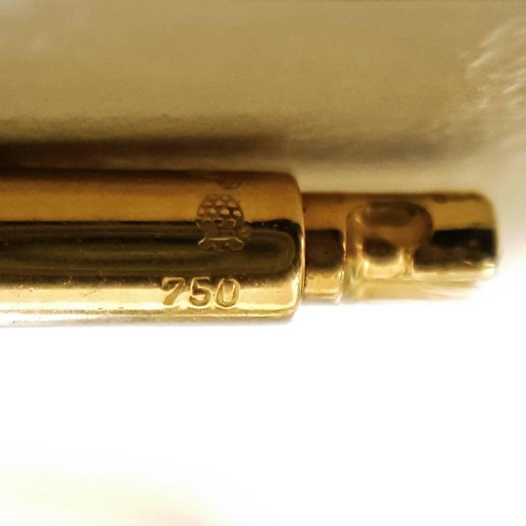 Glowing 20 Carat Rose Quartz Cabochon Gold Bowl Pendant Necklace For Sale 3