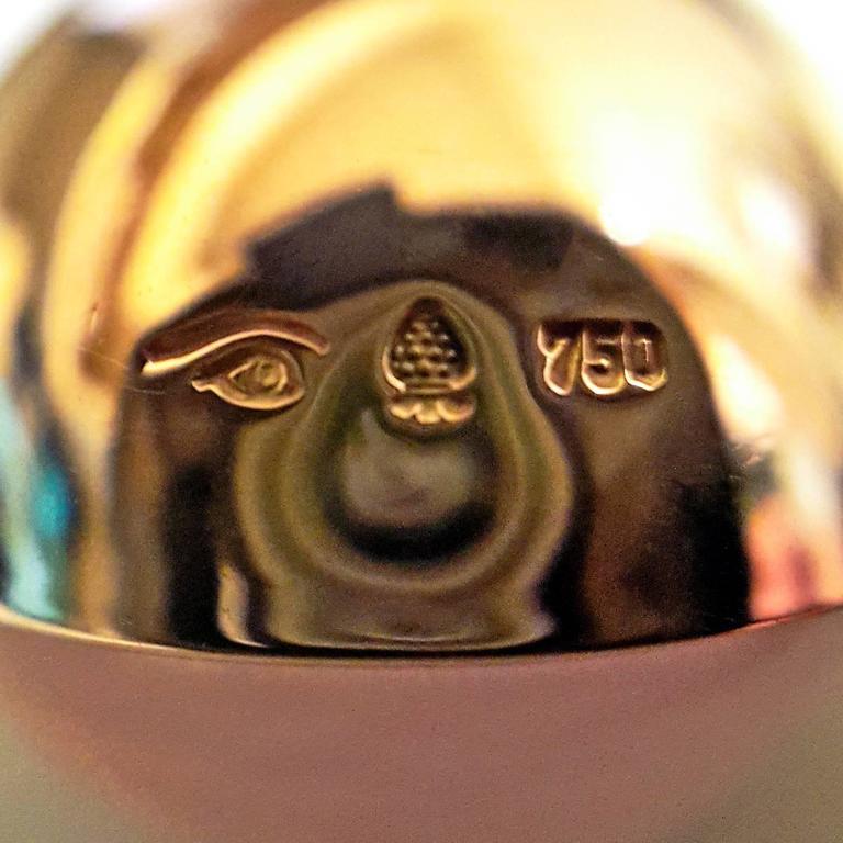 Glowing 20 Carat Rose Quartz Cabochon Gold Bowl Pendant Necklace For Sale 2
