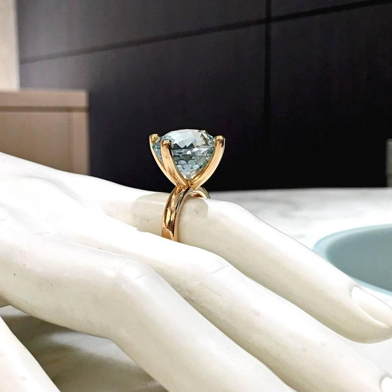 Erich Zimmermann Custom Cut Pale Blue White Topaz Gold Solitaire Princess Ring In As New Condition For Sale In Dallas, TX