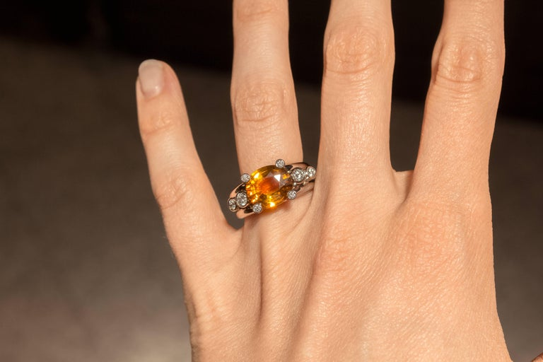 Extraordinary Honey Orange Sapphire White Diamond Gray Gold Hollywood Ring In As New Condition For Sale In Dallas, TX