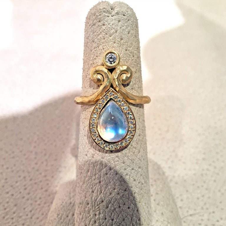 Artist Pamela Froman One of a Kind Rainbow Moonstone White Diamond Hammered Gold Ring