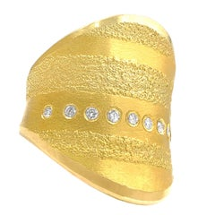 Atelier Zobel One of a Kind Round Diamond Golden Curve Ring