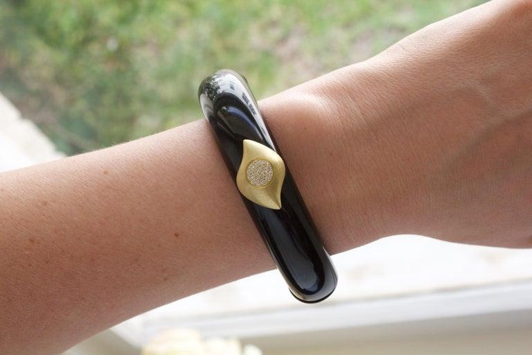 Susan Sadler Vintage Black Bakelite White Diamond Gold Two-Piece Cuff Bracelet In New Condition For Sale In Dallas, TX