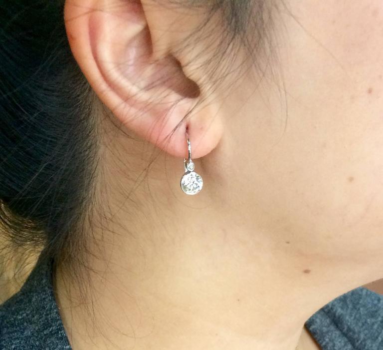 Women's or Men's Diamond Drop Earrings 2.20 Carat For Sale