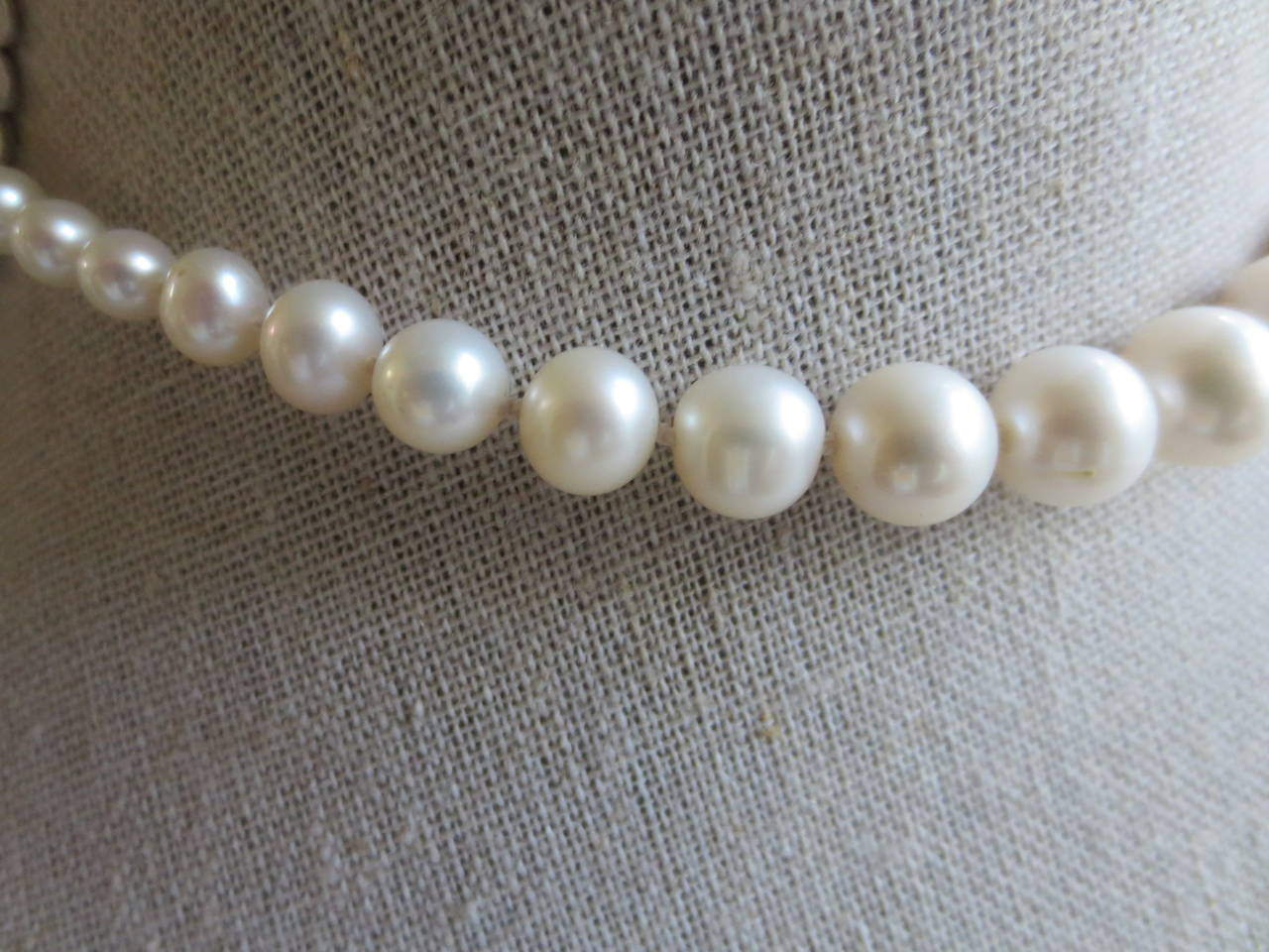 Contemporary Graduated Pearl Bridal Necklace For Sale