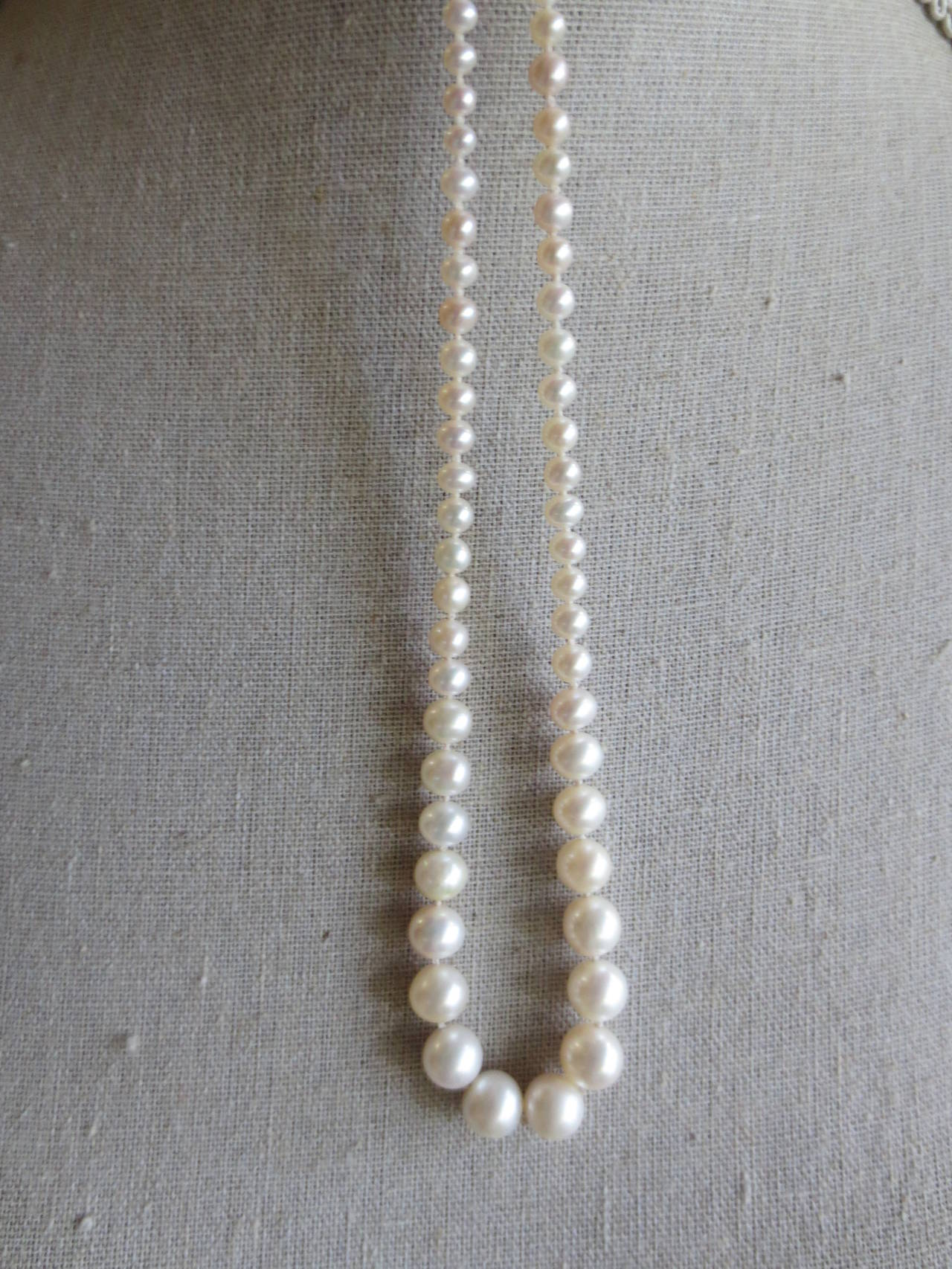 Women's Graduated Pearl Bridal Necklace For Sale