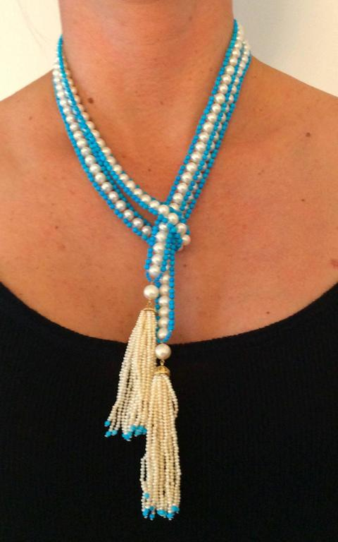 Versatile Woven Pearl Turquoise Bead Long Sautoir with Pearl Tassels and Gold For Sale 5
