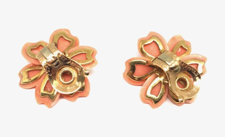Van Cleef & Arpels Rose De Noel  Coral Brooch Earclips Set For Sale 1